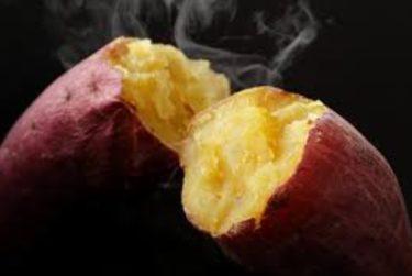 「焼き芋専門店ふじ」甘くて美味しいと特徴がある芋が大人気