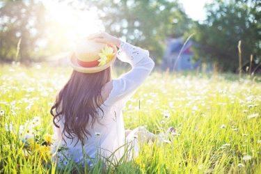 日焼け防止効果が高い服装や帽子の色・形の選び方!UVカット率がアップ