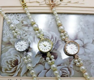 結婚式で新郎は腕時計していい?マナー違反にならない時計は?