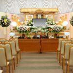 葬儀に使用する適切な花の種類は?供花、献花、枕花などに