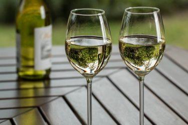 ダイエット中でもお酒を飲みながら痩せる飲み方・飲む時間帯・頻度