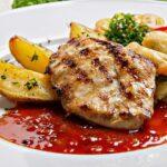 筋トレ・ダイエットの筋肉作りに最適な肉は鶏(ささみ)・豚・牛?カロリーや栄養素を比較
