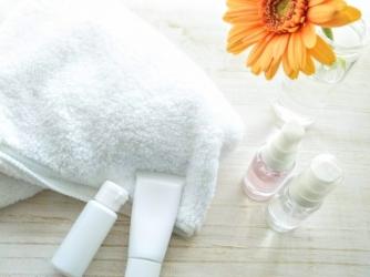 スキンケアの正しい順番は?化粧水、美容液、パック、クリームなどの順番