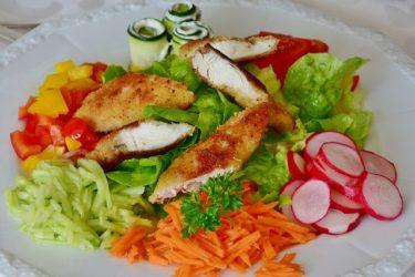 ささみと野菜のダイエットサラダレシピ!低カロリーで高タンパク質