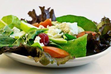 ダイエットに効果的おすすめサラダレシピ!低カロリーで満腹感もある